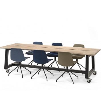 Move boomstamtafel met stoelen