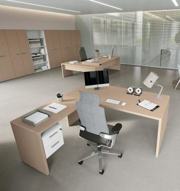 Manager bureau Jork met hoge aanbouwtafel