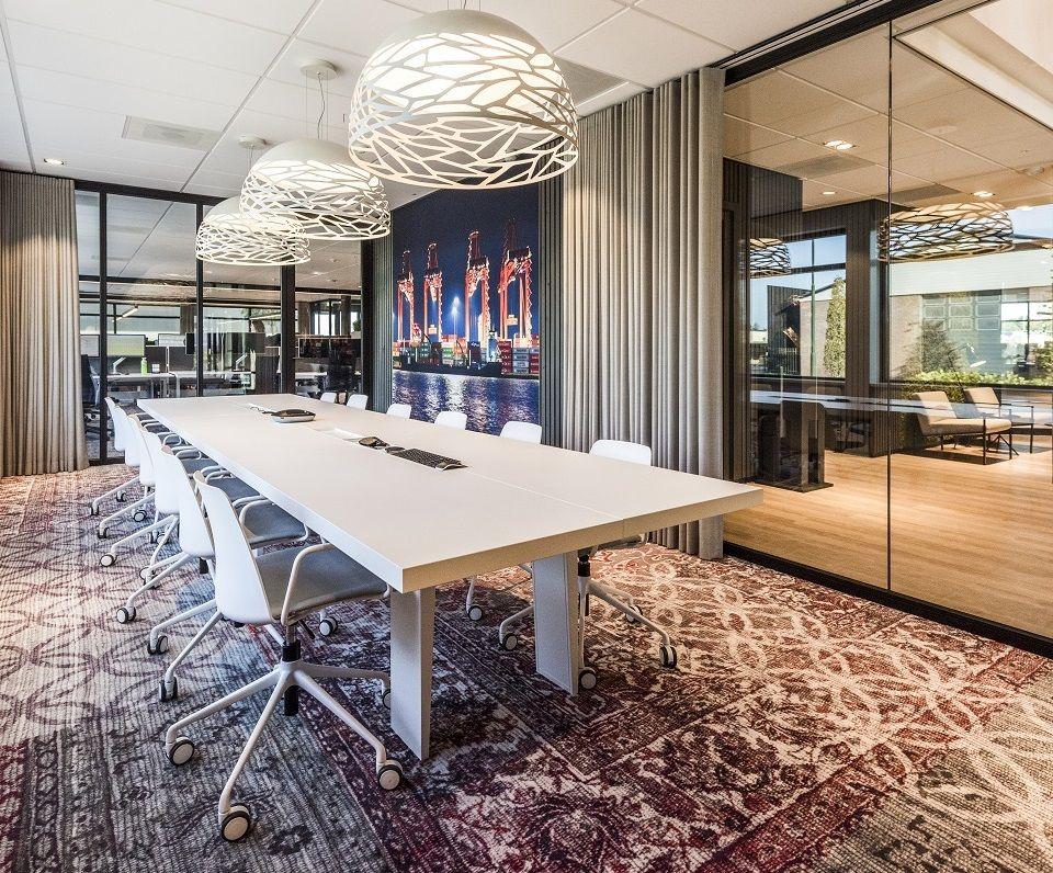 Vergaderzaal bij Van den Bosch